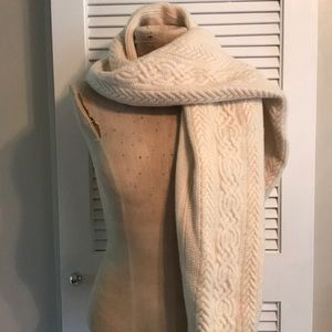 Wool/cashmere cable scarf with beading